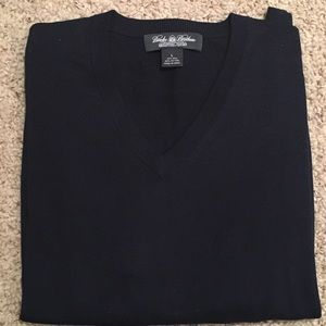 Navy Brooks Brothers long sleeve sweater